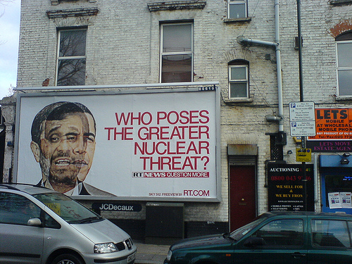 Who poses the greater nuclear threat? (Campagne de RT à Londres)